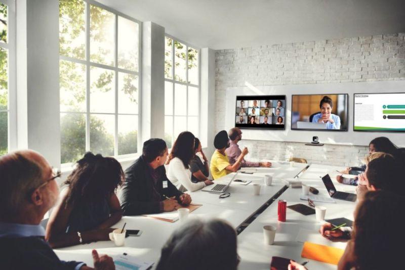 Hybrid meeting scene